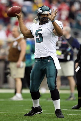 GLENDALE, AZ - JANUARY 18:  Quarterback Donovan McNabb of the Philadelphia Eagles warms up prior to the NFC championship game against the Arizona Cardinals on January 18, 2009 at University of Phoenix Stadium in Glendale, Arizona.  (Photo by Jed Jacobsohn