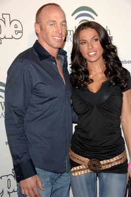 HOLLYWOOD - APRIL 25:  NFL Quarterback Jeff Garcia (L) and wife Carmella Decesare arrive at the AmberWatch Foundation (AWF) Launch Party held at the Globe Theater Universal Studios on April 25, 2006 in Hollywood, California. The AmberWatch Foundation is a