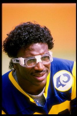 6 Oct 1985: Running back Eric Dickerson of the Los Angeles Rams looks on during a game against the Minnesota Vikings at Anaheim Stadium in Anaheim, California. The Rams won the game 13-10.