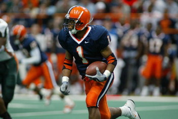 SYRACUSE, NY - NOVEMBER 30:  Running back Damien Rhodes #1 of Syracuse University runs for yards during the game against the University of Miami at the Carrier Dome on November 30, 2002 in Syracuse, New York. Miami won 49 to 7.   (Photo by Rick Stewart/Ge