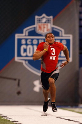 INDIANAPOLIS, IN - FEBRUARY 22:  Running back Donald Brown of Connecticut runs the 40 yard dash during the NFL Scouting Combine presented by Under Armour at Lucas Oil Stadium on February 22, 2009 in Indianapolis, Indiana. (Photo by Scott Boehm/Getty Image