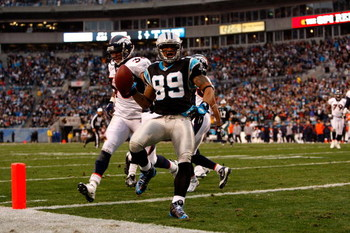 CHARLOTTE, NC - DECEMBER 14:  Steve Smith #89 of the Carolina Panthers scores a touchdown against the Denver Broncos during their game at Bank of America Stadium on December 14, 2008 in Charlotte, North Carolina  (Photo by Streeter Lecka/Getty Images)
