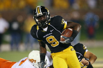 COLUMBIA, MO - OCTOBER 11:  Jeremy Maclin #9 of the Missouri Tigers runs for yardage against the Oklahoma State Cowboys on October 11, 2008 at Memorial Stadium in Columbia, Missouri.  (Photo by G. Newman Lowrance/Getty Images)