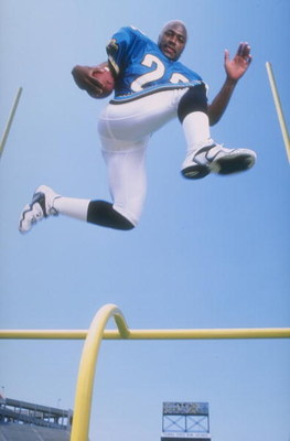 20 May 1998:  Tavian Banks of the Jacksonville Jaguars in action during the Pinnacle NFL Rookie Shoot at the Citrus Bowl in Orlando, Florida. Mandatory Credit: Mike Powell  /Allsport