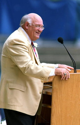 7 Aug 1999: Billy Shaw talks to the press during his induction into the Pro Football Hall of Fame in Canton, Ohio.