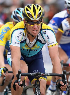 PASADENA, CA - FEBRUARY 21:  Lance Armstrong of USA, riding for Astana, competes in Stage 7 of the AMGEN Tour of California on February 21, 2009 in Pasadena, California.  (Photo by Christian Petersen/Getty Images)