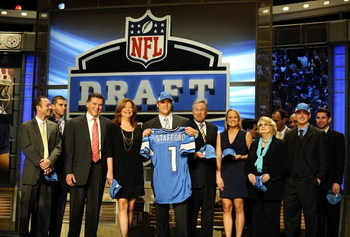 NEW YORK - APRIL 25:  Detroit Lions #1 draft pick Matthew Stafford poses for photographers with his family after his selection in the 2009 NFL Draft at Radio City Music Hall on April 25, 2009 in New York City  (Photo by Jeff Zelevansky/Getty Images)