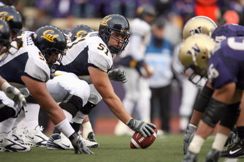 SEATTLE - NOVEMBER 17: Center Alex Mack #51 of the California Golden Bears hikes the ball during the game against the Washington Huskies at Husky Stadium November 17, 2007 in Seattle, Washington. (Photo by Otto Greule Jr/Getty Images)