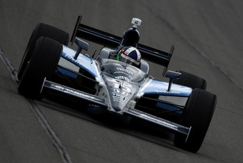 KANSAS CITY, KS - APRIL 26:  Dario Franchitti drives his #10 Nicorette Target Chip Ganassi Racing Dallara Honda during the IRL IndyCar Series Road Runner Turbo Indy 300 on April 26, 2009 at Kansas Speedway in Kansas City, Kansas.  (Photo by Jonathan Ferre