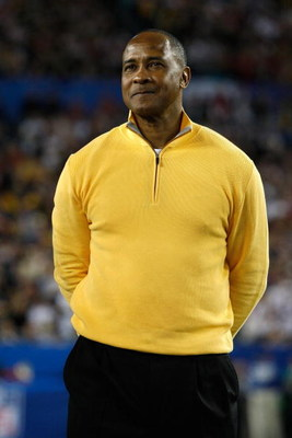 TAMPA, FL - FEBRUARY 01:  Hall of fame player and current broadcaster Lynn Swann on the field prior to Super Bowl XLIII between the Arizona Cardinals and the Pittsburgh Steelers on February 1, 2009 at Raymond James Stadium in Tampa, Florida.  (Photo by Ja