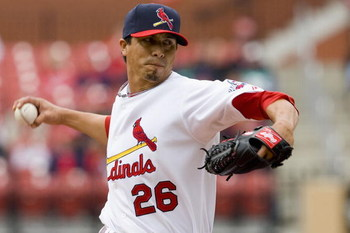 ST. LOUIS, MO - APRIL 12: Starting pitcher Kyle Lohse #26 of the St. Louis Cardinals throws against the Houston Astros on April 12, 2009 at Busch Stadium in St. Louis, Missouri.  The Cardinals beat the Astros 3-0.  (Dilip Vishwanat/Getty Images)