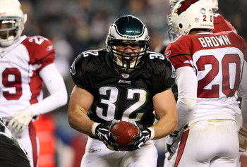PHILADELPHIA - NOVEMBER 27:  Kyle Eckel #32 of the Philadelphia Eagles celebrates a rush against the Arizona Cardinals at Lincoln Financial Field on November 27, 2008 in Philadelphia, Pennsylvania.  (Photo by Nick Laham/Getty Images)