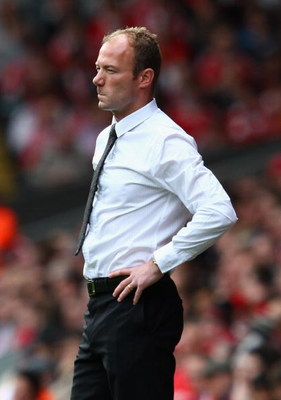LIVERPOOL, UNITED KINGDOM - MAY 03:  Newcastle United Manager Alan Shearer looks on during the Barclays Premier League match between Liverpool and Newcastle United at Anfield on May 3, 2009 in Liverpool, England. (Photo by Clive Brunskill/Getty Images)
