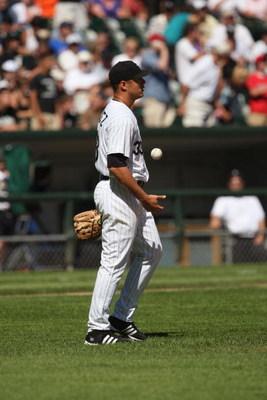 CHICAGO - AUGUST 26:  Javier Vazquez #33 of the Chicago White Sox looks on during the MLB game against the Boston Red Sox on August 26, 2007 at U.S. Cellular Field in Chicago, Illinois.  The Red Sox won 11-1. (Photo by Jonathan Daniel/Getty Images)