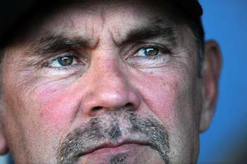 LOS ANGELES, CA - APRIL 16:  Manager Bruce Bochy #15 of the San Francisco Giants before the game against the Los Angeles Dodgers at Dodger Stadium on April 16, 2009 in Los Angeles, California.  (Photo by Harry How/Getty Images)