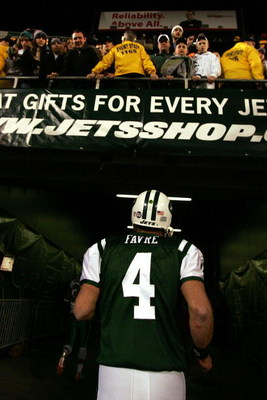 EAST RUTHERFORD, NJ - DECEMBER 28: Brett Favre #4 of The New York Jets leaves the field after losing to The Miami Dolphins 24-17 after their game on December 28, 2008 at Giants Stadium in East Rutherford, New Jersey. (Photo by Al Bello/Getty Images)