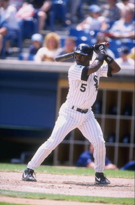 21 Jun 1998:  Ray Durham #5 of the Chicago White Sox in action during a game against the Minnesota Twins at Comisky Park in Chicago, Illinois. The Twins defeated the White Sox 6-1. Mandatory Credit: David Seelig  /Allsport
