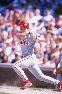 19 Jun 1998:  Scott Rolen #17 of the Philadelphia Phillies in action during a game against the Chicago Cubs at Wrigley Field in Chicago, Illinois. The Phillies defeated the Cubs 9-8. Mandatory Credit: David Seelig  /Allsport