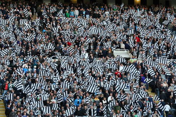 NEWCASTLE, UNITED KINGDOM - MAY 11:  Newcastle fans show their support prior to the Barclays Premier League match between Newcastle United and Middlesbrough at St James' Park on May 11, 2009 in Newcastle, England.  (Photo by Laurence Griffiths/Getty Image