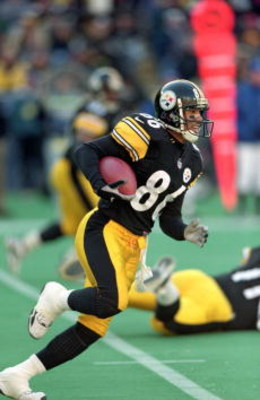 3 Dec 2000:  Hines Ward #86 of the Pittsburgh Steelers runs with the ball during the game against the Oakland Raiders at the Three Rivers Stadium in Pittsburgh, Pennsylvania.  The Steelers defeated the Raiders 21-20.Mandatory Credit: Tom Pidgeon  /Allspor