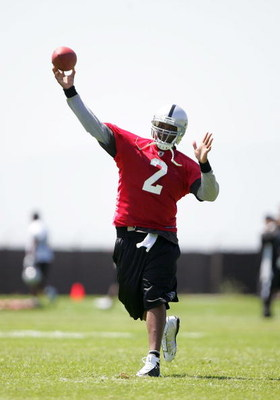 ALAMEDA, CA - MAY 08:  JaMarcus Russell #2 of the Oakland Raiders throws the ball during the Raiders minicamp at the team's permanent training facility on May 8, 2009 in Alameda, California.  (Photo by Ezra Shaw/Getty Images)