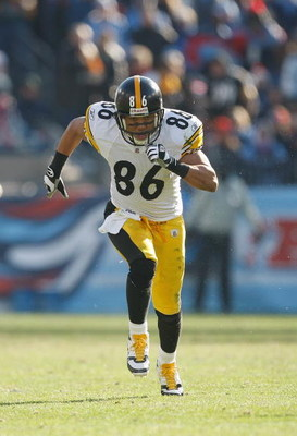 NASHVILLE, TN - DECEMBER 21:  Hines Ward #86 of the Pittsburgh Steelers runs up the field during the game against the Tennessee Titans on December 21, 2008 at LP Field in Nashville, Tennessee. (Photo by: Streeter Lecka/Getty Images)
