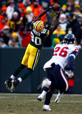 GREEN BAY, WI - DECEMBER 07:  Donald Driver #80 of the Green Bay Packers makes a reception in the second half against the Houston Texans at Lambeau Field on December 7, 2008 in Green Bay, Wisconsin. The Texans defeated the Packers 24-21.  (Photo by Jeff G