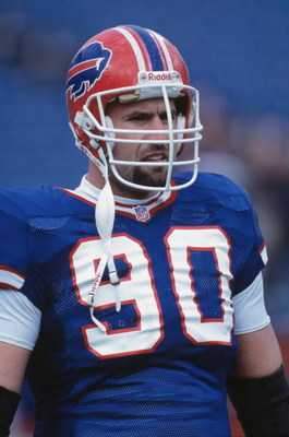 9 Dec 2001:  This is a close up of defensive end Phil Hansen #90 of the Buffalo Bills. The picture was taken during the NFL game against the Carolina Panthers at Ralph Wilson Statium in Orchard Park, New York.  The Bills defeated the Panthers 25-24.   Man