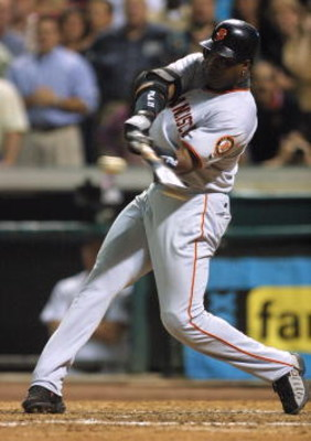 4 Oct 2001:  Barry Bonds #25 of the San Francisco Giants hits 70th homerun of the season against the Houston Astros at Enron Field in Houston, Texas. DIGITAL IMAGE  Mandatory Credit: Jeff Gross/ALLSPORT
