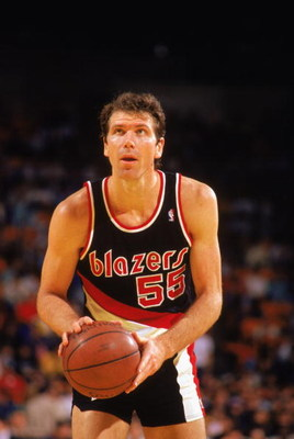 1989:  Kiki Vandeweghe #55 of the Portland Trail Blazers shoots a free throw during the 1988-1989 NBA season game.  (Photo by Tim DeFrisco/Getty Images)