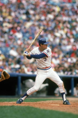 1985:  Dale Murphy #3 of the Atlanta Braves readies for the swing during a game in1985. Dale Murphy played for the Atlanta Braves from 1976-1990. (Photo by Scott Cunningham/Getty Images)