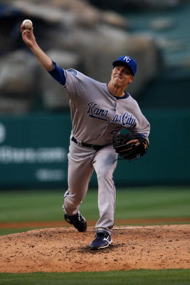 ANAHEIM, CA - MAY 09:  Pitcher Zack Greinke #23 of the Kansas City Royals throws a pitch against the Los Angeles Angels of Anaheim on May 9, 2009 at Angel Stadium in Anaheim, California.  (Photo by Stephen Dunn/Getty Images)