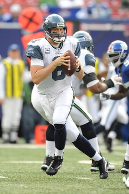 EAST RUTHERFORD, NJ - OCTOBER 05:  Matt Hasselback #8 of the Seattle Seahawks passes against the New York Giants during their game on October 5, 2008 at Giants Stadium in East Rutherford, New Jersey.  (Photo by Al Bello/Getty Images)