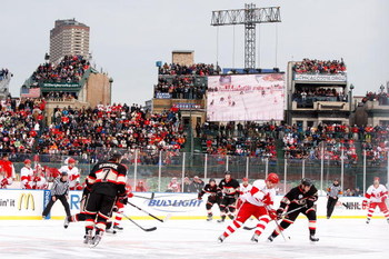 CHICAGO - JANUARY 01:  A general view of action between the Chicago Blackhawks and the Detroit Red Wings during the NHL Winter Classic at Wrigley Field on January 1, 2009 in Chicago, Illinois.  (Photo by Jamie Squire/Getty Images)