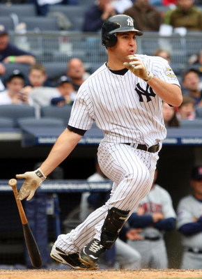 NEW YORK - MAY 17:  Mark Teixeira #25 of the New York Yankees bats against the Minnesota Twins on May 17, 2009 at Yankee Stadium in the Bronx borough of New York City. The Yankees defeated the Twins 3-2 in ten innings.  (Photo by Jim McIsaac/Getty Images)