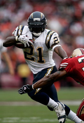 SAN FRANCISCO, CA - OCTOBER 15:  Ladainian Tomlinson #21 of the San Diego Chargers runs with the ball against the San Francisco 49ers at Monster Park October 15, 2006 in San Francisco, California.  (Photo by Jonathan Ferrey/Getty Images)