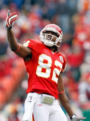 KANSAS CITY, MO - DECEMBER 14:  Dwayne Bowe #82 of the Kansas City Chiefs reacts to video replay of a Tony Gonzalez touchdown against the San Diego Chargers of during the first quarter on December 14, 2008 at Arrowhead Stadium in Kansas City, Missouri.  (