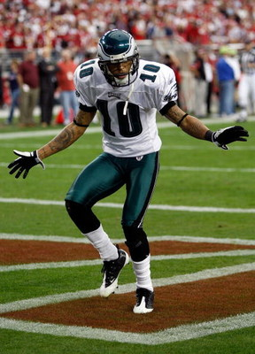 GLENDALE, AZ - JANUARY 18:  Wide receiver DeSean Jackson #10 of the Philadelphia Eagles celebrates after he catches a 62-yard touchdown against the Arizona Cardinals in the fourth quarter during the NFC championship game on January 18, 2009 at University