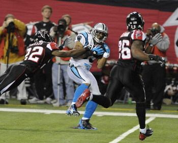 ATLANTA - NOVEMBER 23: Wide receiver Steve Smith #89 of the Carolina Panthers grabs a pass against the Atlanta Falcons at the Georgia Dome on November 23, 2008 in Atlanta, Georgia.  (Photo by Al Messerschmidt/Getty Images)