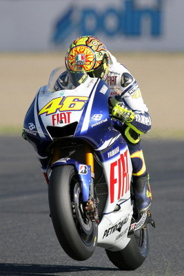 MOTEGI, JAPAN - APRIL 26:  Valentino Rossi of Italy and Fiat Yamaha Team in action during the MotoGP World Championship Grand Prix of Japan at the Twin Ring Motegi race circuit on April 26, 2009 in Motegi, Japan.  (Photo by Kiyoshi Ota/Getty Images)