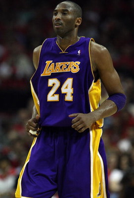 HOUSTON - MAY 14:  Guard Kobe Bryant #24 of the Los Angeles Lakers in Game Six of the Western Conference Semifinals during the 2009 NBA Playoffs at Toyota Center on May 14, 2009 in Houston, Texas. NOTE TO USER: User expressly acknowledges and agrees that,