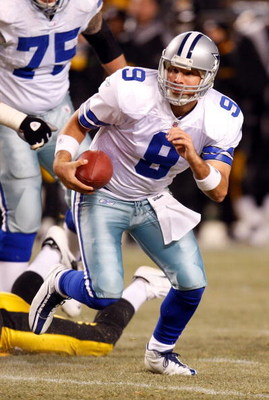 PITTSBURGH - DECEMBER 7:  Quarterback Tony Romo #9 of the Dallas Cowboys runs with the ball during their NFL game against the Pittsburgh Steelers on December 7, 2008 at Heinz Field in Pittsburgh, Pennsylvania. The Steelers defeated the Cowboys 20-13. (Pho