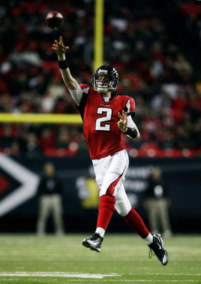 ATLANTA - DECEMBER 28: Quarterback Matt Ryan #2 of the Atlanta Falcons throws a pass against the St. Louis Rams at Georgia Dome on December 28, 2008 in Atlanta, Georgia.  (Photo by Doug Benc/Getty Images)