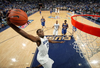 MEMPHIS, TN - MARCH 14:  Tyreke Evans #12 of the Memphis Tigers dunks in a game against the Tulsa Golden Hurricane during the Championship of the Conference USA Basketball Tournament at FedExForum on March 14, 2009 in Memphis, Tennessee. Memphis beat Tuls