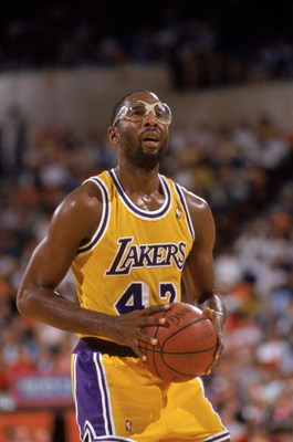 LOS ANGELES - 1989:  James Worthy #42 of the Los Angeles Lakers shoots a free throw during an NBA game at the Great Western Forum in Los Angeles, California in 1989. (Photo by: Mike Powell/Getty Images)