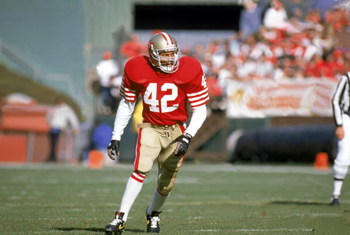 SAN FRANCISCO - JANUARY 6:  Defenseman Ronnie Lott #42 of the San Francisco 49ers follows the offense during a game against the Minnesota Vikings at Candlestick Park on January 6, 1990 in San Francisco, California.  The Niners defeated the Vikings 41-13.