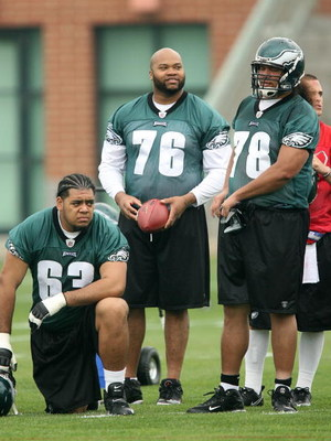 PHILADELPHIA - MAY 1: Offensive lineman Stacy Andrews #76 of the Philadelphia Eagles practices during minicamp at the NovaCare Complex on May 1, 2009 in Philadelphia, Pennsylvania. (Photo by Hunter Martin/Getty Images)