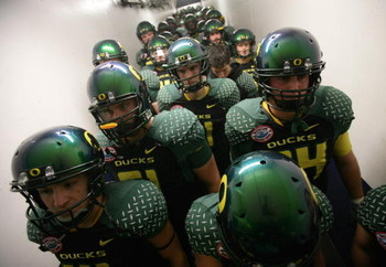SAN DIEGO, CA - DECEMBER 30:  The University of Oregon Ducks prepare to enter the field against the Oklahoma State University Cowboys during the Pacific Life Holiday Bowl at Qualcomm Stadium on December 30, 2008 in San Diego, California. (Photo by Donald