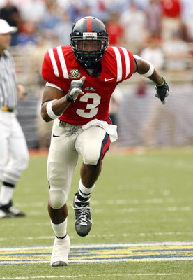 OXFORD, MS - SEPTEMBER 22: Shay Hodge #3 of the Mississippi Rebels runs downfield against the Florida Gators on September 22, 2007 at Vaught-Hemingway Stadium/Hollingsworth Field in Oxford, Mississippi. Florida won  30-24. (Photo by Joe Murphy/Getty Image
