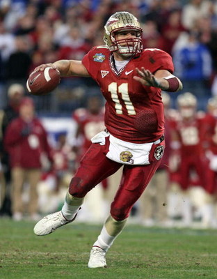 NASHVILLE, TN - DECEMBER 31: Drew Weatherford #11 of the Florida State Seminoles throws a pass during the Gaylord Hotels Music City Bowl against the Kentucky Wildcats at the LP Field December 31, 2007 in Nashville, Tennessee. Kentucky won 35-28.  (Photo b